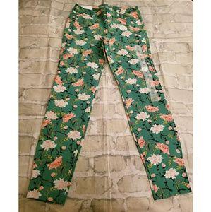 Floral ankle length pants